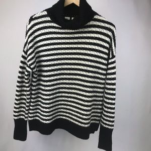 Gap Black and White Turtleneck Sweater